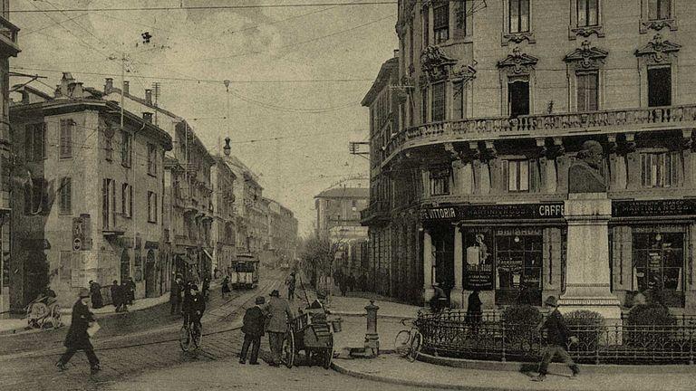 Via Edmondo De Amicis nel 1905